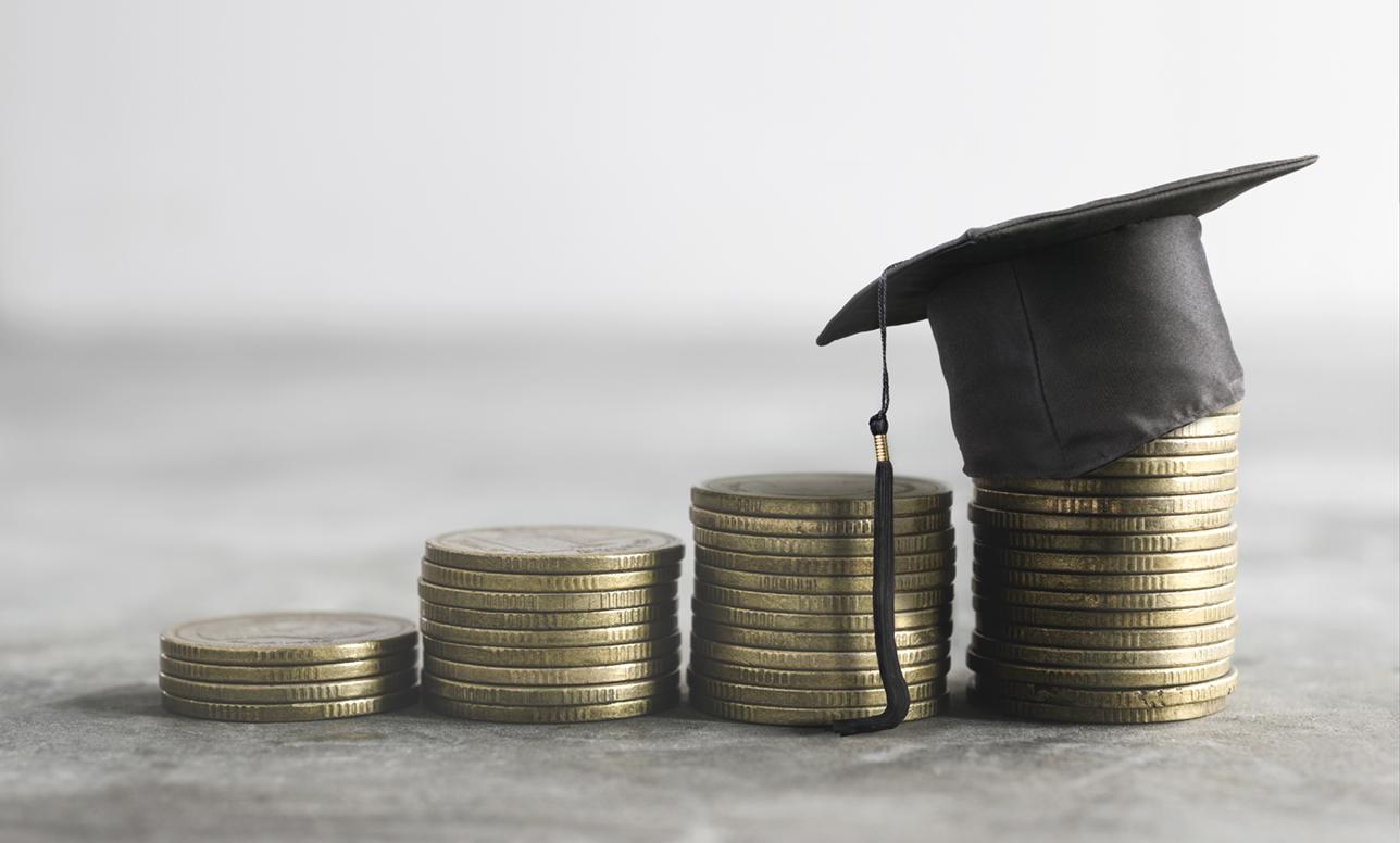 奨学金の最初の振り込みを3月下旬にできないものか?